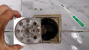 como-desentupir-ralo-de-banheiro-1