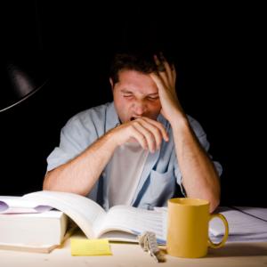 Sono insuficiente relacionado principalmente a pessoas que trabalham a noite
